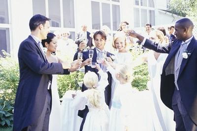 結婚式の予算を検討